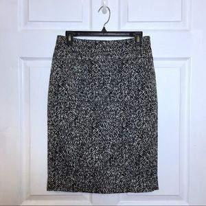 WHBM White Black Wool Blend Pencil Skirt Size 4